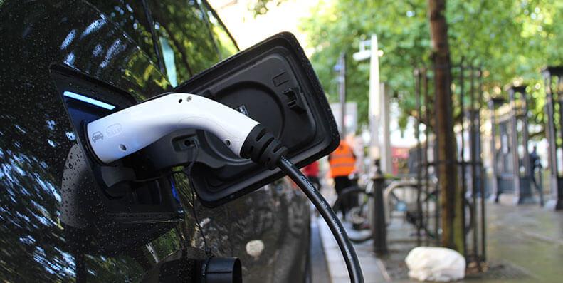 Har du en miljøvennlig bil/elbil? Da bør du vurdere et grønt billån