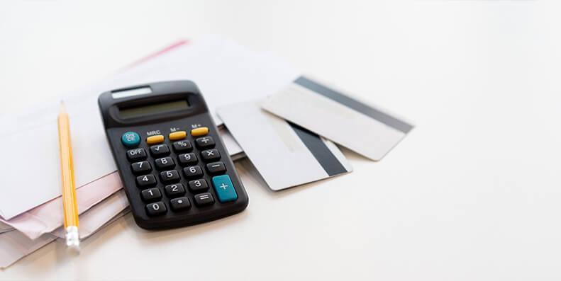 En høy rente kan utgjøre store kostnader i løpet av lånetiden. Hvis renta blir redusert med bare 1%, så kjennes det godt på lommeboka