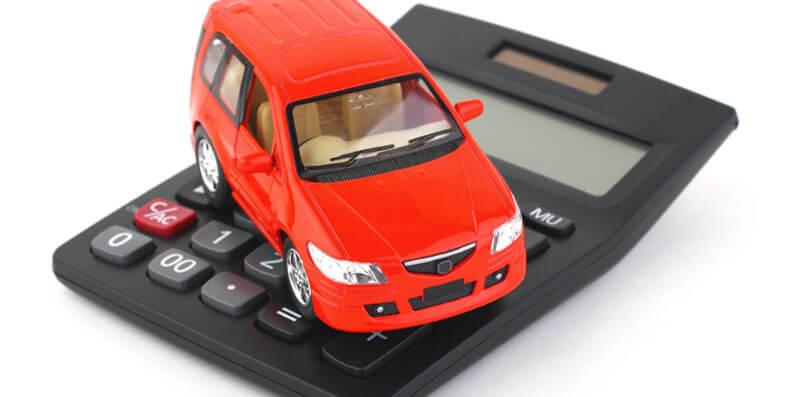Slik bestemmer prisen på bilforsikringen din